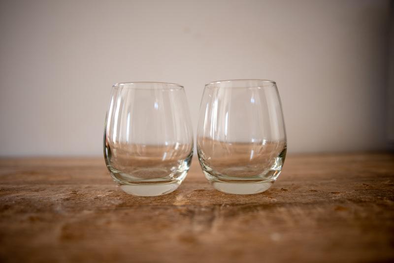 ステムなしのワイングラス