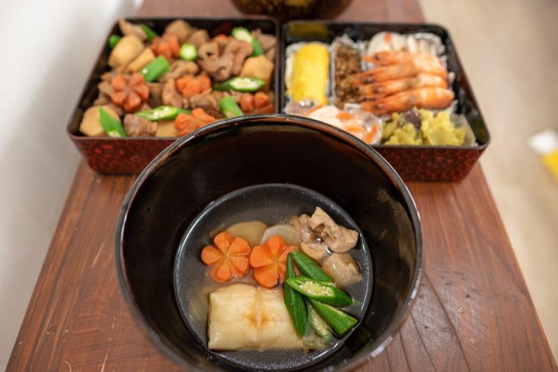 お正月のご飯と重箱