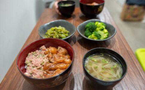 ネギトロ&サーモン丼
