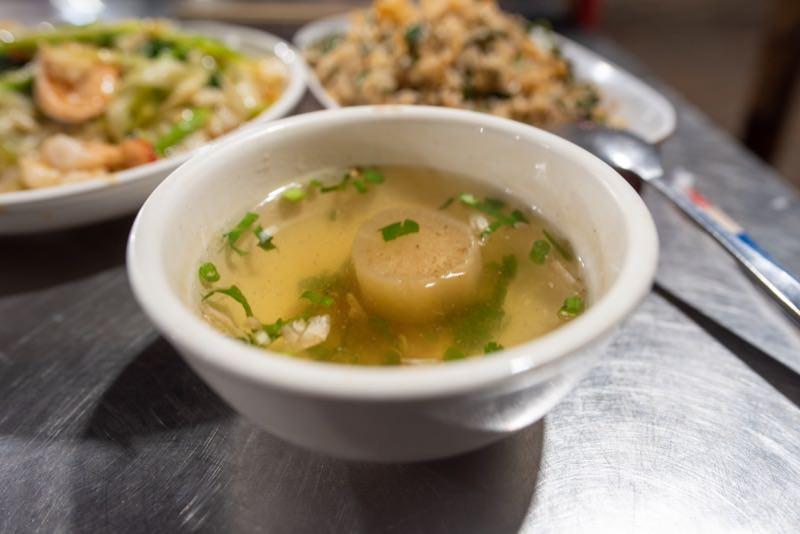 チャーハンについてくるスープ