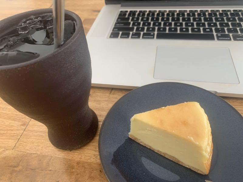 自宅で焼いたチーズケーキ