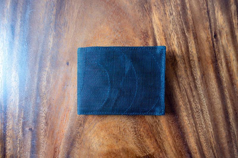 スマテリアの財布を買った