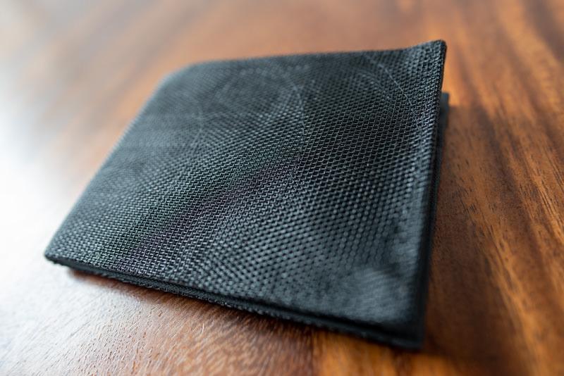 スマテリアの財布の素材感
