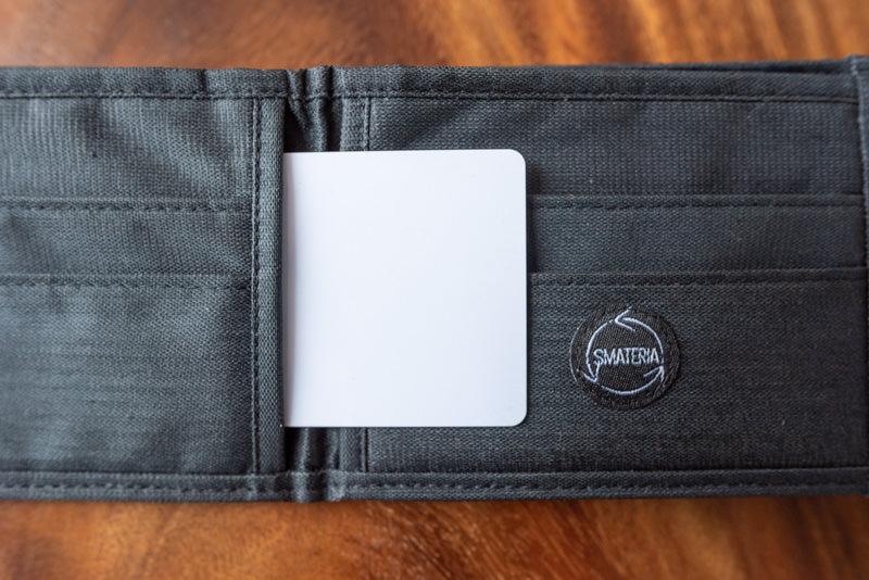二つ折り財布のカード収納
